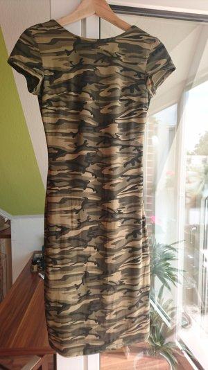 Camouflage Kleid Rückenausschnitt Gr. M