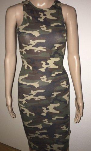 Camouflage mit cut out Rücken ..!