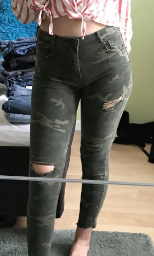 Camouflage Pull&Bear Ripped Jeans