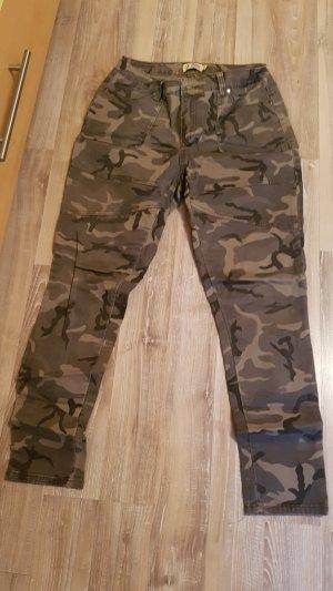 Camouflagehose Größe 9 (36/38)