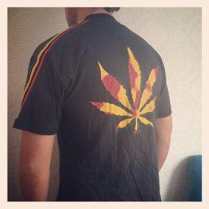 Cannabis ++ Reggae TShirt Bad&Mad + Adidas HipHop retro Hanfblatt