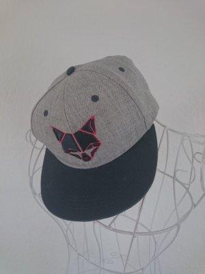 Cap mit Fuchs geometrisch
