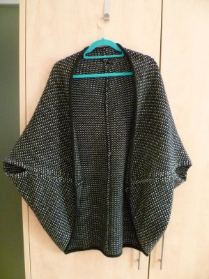Cape-Strickjacke von Opus