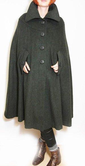 Cape dark green wool