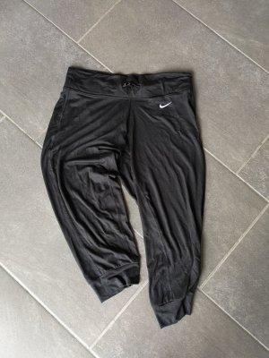Capri-Trainingshosen von Nike Größe S
