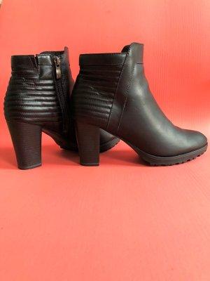 Caprice Korte laarzen zwart