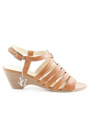 Caprice Roman Sandals brown beach look