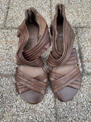 Caprice Sandalias de tiras marrón