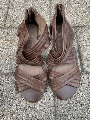 Caprice Strapped Sandals brown