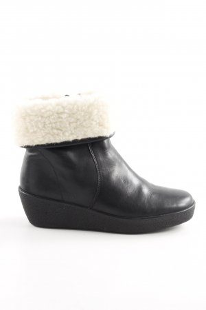 Caprice Winter-Stiefeletten wollweiß Casual-Look