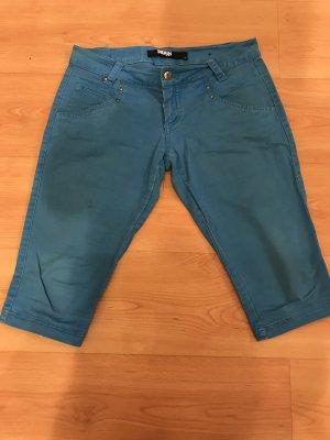 Pantalón capri azul claro