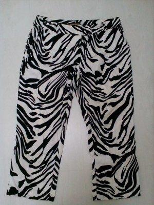 Caprihose im Zebramuster