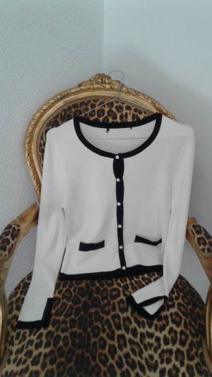 Cardigan im Chanel Stil