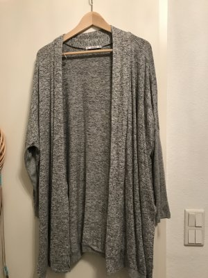 Cardigan in grau