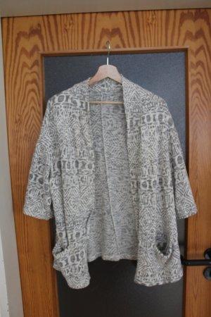 Cardigan mit geometrischem Muster, grau weiß, mit Taschen, Größe M