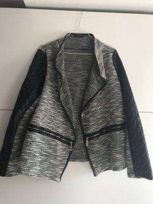 Cardigan Strick Grau Schwarz Meliert Strickjacke Jacke mit Lederapplikation