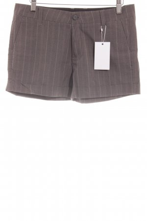Carhartt Hot Pants Glencheckmuster Street-Fashion-Look