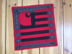 CARHARTT schwarz-rotes Bandana-Tuch