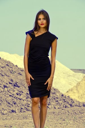 CARLOTTA Jerseykleid von LOUISA OKONYE  *SALE*