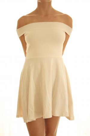 Carmen-A-Linien-Kleid mit Cut-out-Rücken
