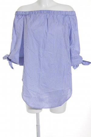 Carmen-Bluse hellblau-weiß Streifenmuster Casual-Look