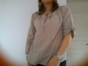 Carmen Bluse in taupe