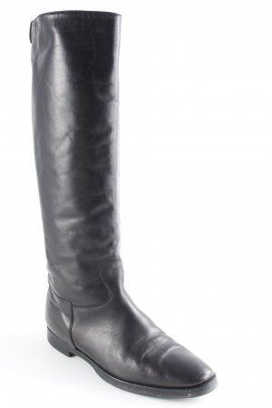 Carrie Latt Botas estilo militar negro look casual