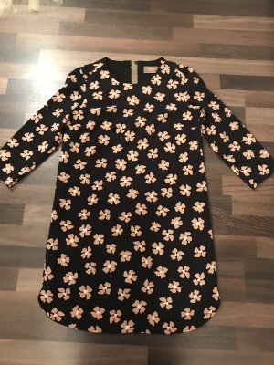 Cartoon Blumen Kleid