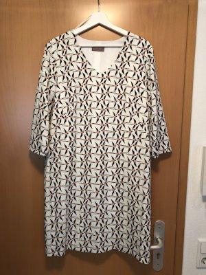 Cartoon Kleid mit Schwalben Gr.44 od 42