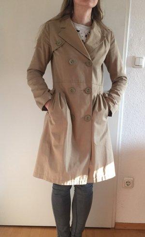 Carven Trenchcoat beige klassisch Burberry Style
