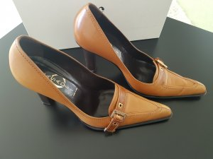 Casadei Pointed Toe Pumps cognac-coloured