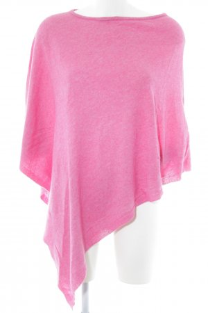 Cashmere Poncho de punto rosa look casual