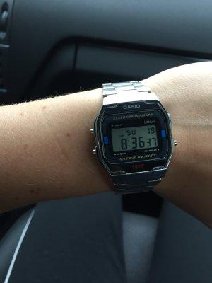 Casio Edelstahl Digital Uhr