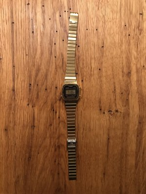 Casio mini gold