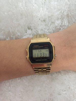 Casio Retro Uhr Goldfarbend