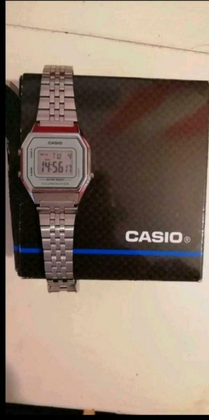 Casio Watch With Metal Strap grey