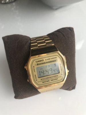 CASIO UHR GOLD  am Armband verstellbar