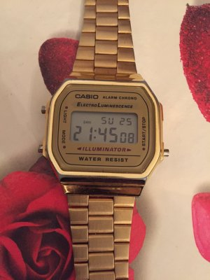 Casio Reloj color oro