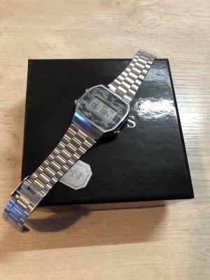 Casio Reloj con pulsera metálica multicolor