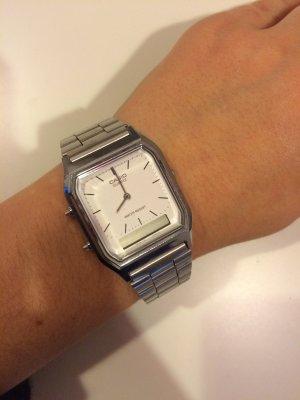 Casio Uhr Silber mit weißem Zifferblatt