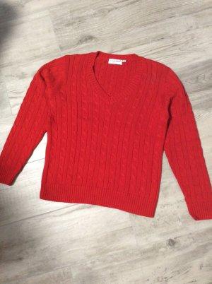 Cassis V-Neck Sweater dark red