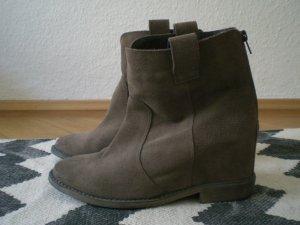 Catwalk Boots Wildleder 39 38 Hidden Wedge Braun Taupe Keilabsatz