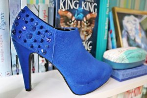 Catwalk High-Front Pumps blue synthetic