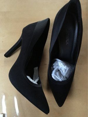 Catwalk Pumps