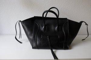 Celine Phantom Luggage in schwarz