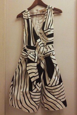 Celyn b. (Elisabetta Franchi) Kleid