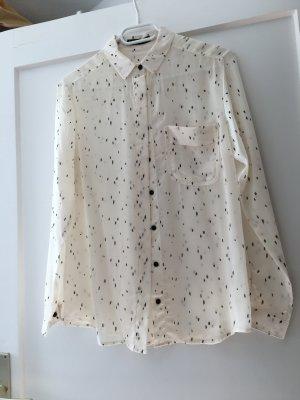 Champagner farbene Bluse mit schwarzem Muster