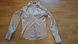 Champgnerfarbene glänzende Bluse
