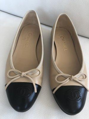 Chanel Ballerina 37