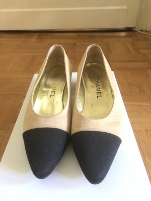 Chanel Ballerinas with Toecap black-cream